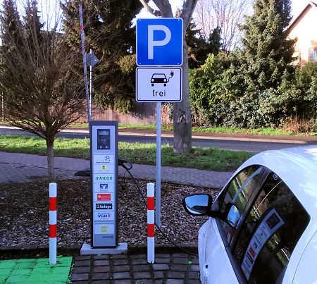 Parken nur für Elektroautos mit E-Kennzeichen